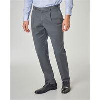 Ashki.i pantalone grigio scuro con una pinces