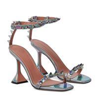 Amina Muaddi sandali julia in pelle con cristalli