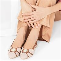 Bata sandalo in pelle con cinturino e fibbia